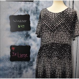 Sale!!! Honey and Lace Windsor dress with pockets